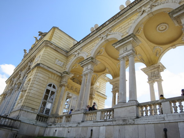 schonbrunn-palace-vienna-unesco-gloriette-001
